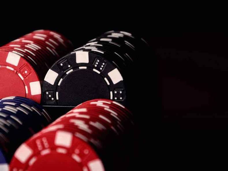 Choosing_the_right_BTC_Poker_room-B